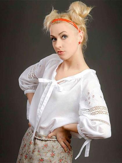 Блуза с кружевом и вышивкой - фото 21467