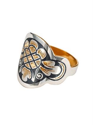 Кольцо из серебра с ярким узором
