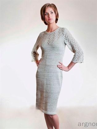 Платье прямое с ажурной кокеткой
