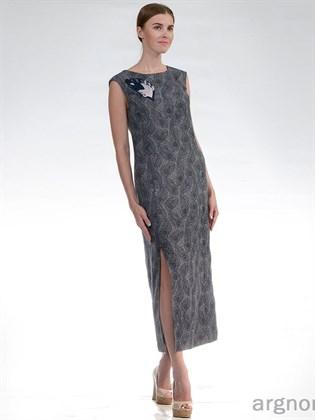 Длинное платье без рукавов, с разрезом