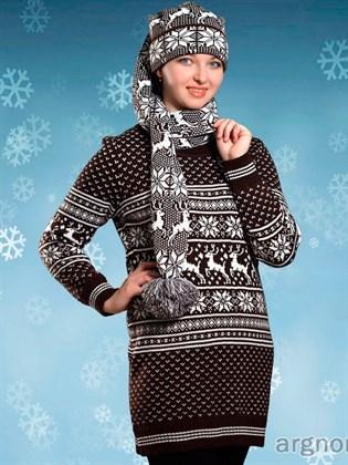 Вязаное платье с оленями