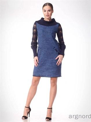 Трикотажное платье с ажурными рукавами