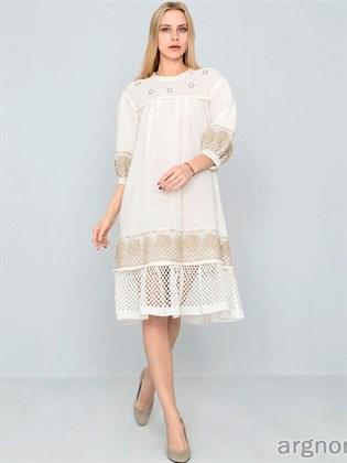 Вязаное льняное платье с кружевом