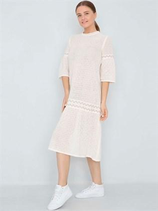 Белое льняное платье