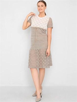 Трикотажное платье с ажурными элементами