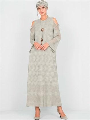 Платье льняное с открытыми плечами
