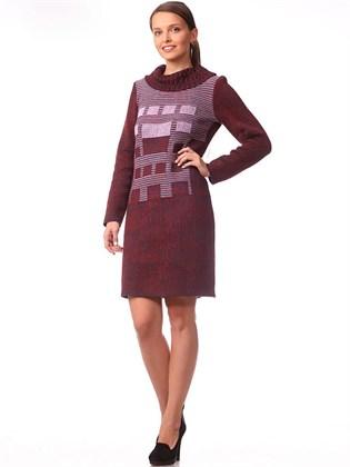 Платье трикотажное прямого кроя