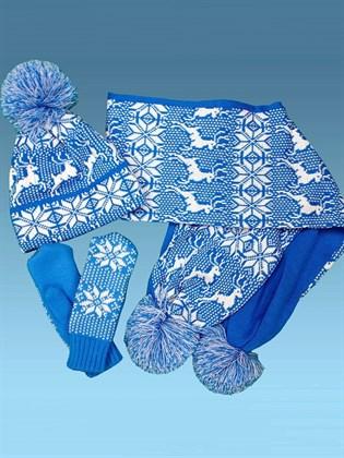 Вязаный комплект: шапка и шарф с оленями