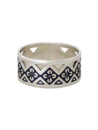 Кольцо серебряное Причуда